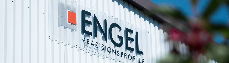 Man sieht die Firmenbeschilderung der Engel Profile GmbH